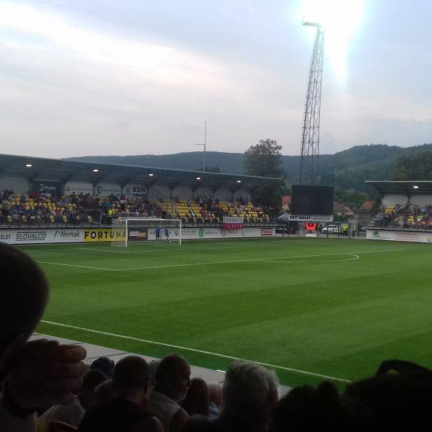 FK Pohronie  dostalo od AS Trenčín štyri góly
