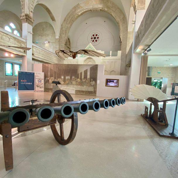 Výstava strojov Leonarda da Vinci