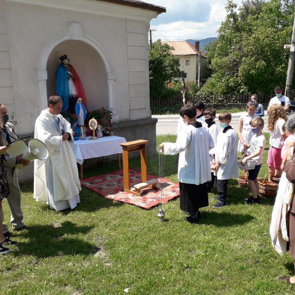 Veriaci v Janovej Lehote slávili sviatok Božieho tela