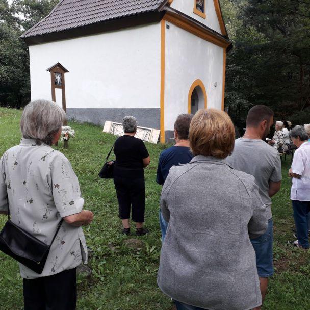 Veriaci v Janovej Lehote na omšiach 15.a16. augusta
