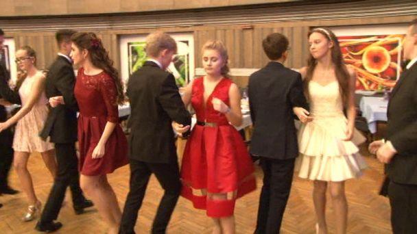 Tanečný venček deviatakov