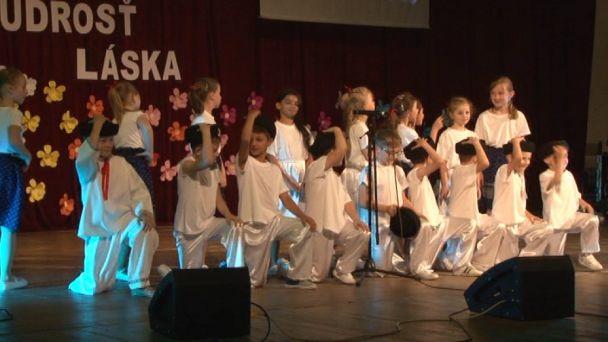 Výročie žiarskej cirkevnej školy oslávili žiaci tancom a spevom
