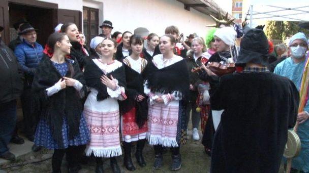 Fašiangy v Žiari boli aj s plačkami