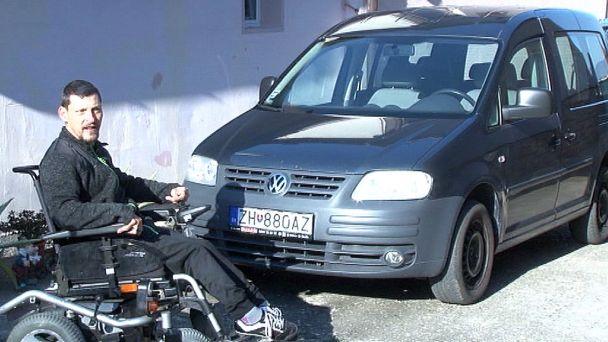Darovaným autom chce Michal chodiť aj na futbal