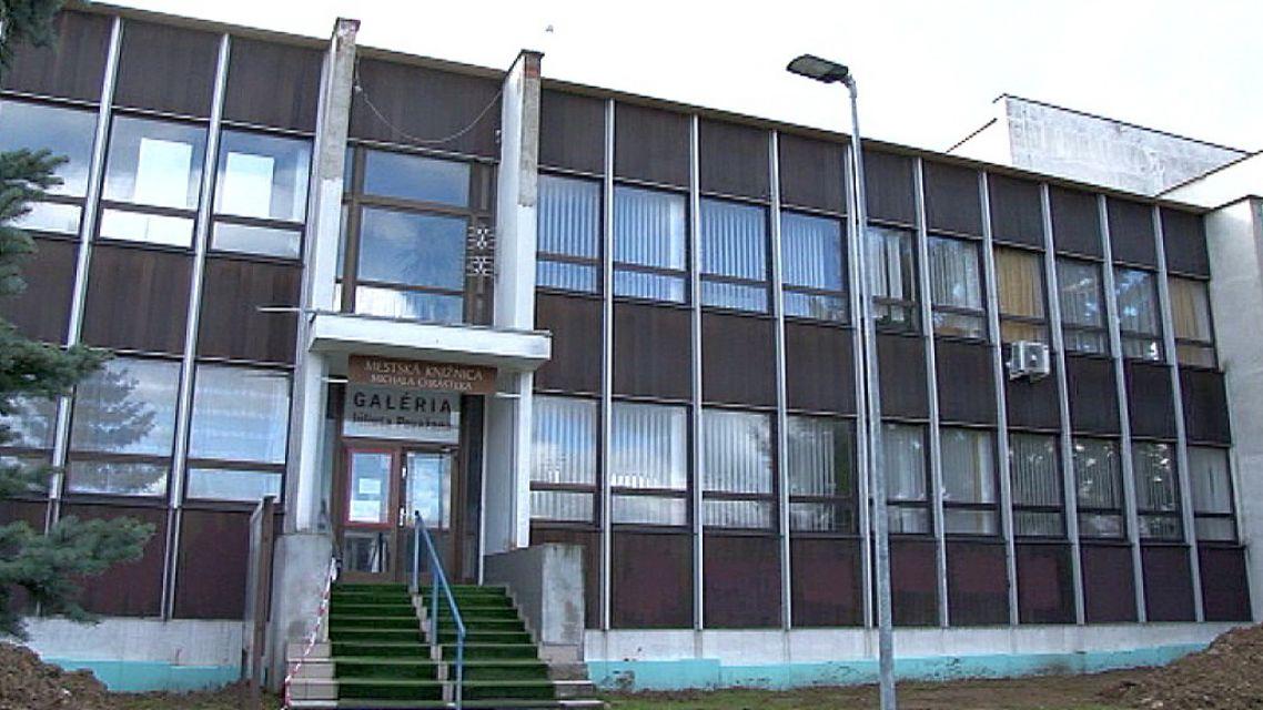 Jednu budovu už radnica opravuje, druhú to ešte len čaká