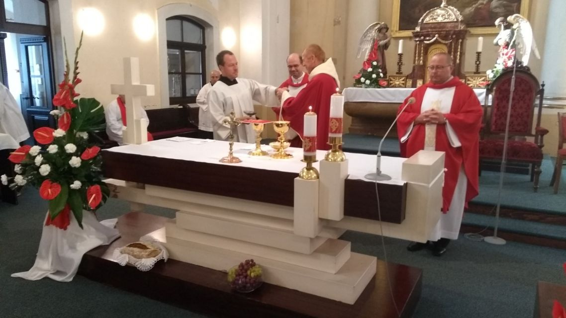 Hodová omša v Kostole Povýšenia svätého Kríža