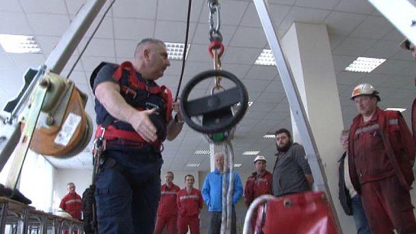 Ako bezpečne obsluhovať zariadenia, bola téma vzdelávania na Slovalcu