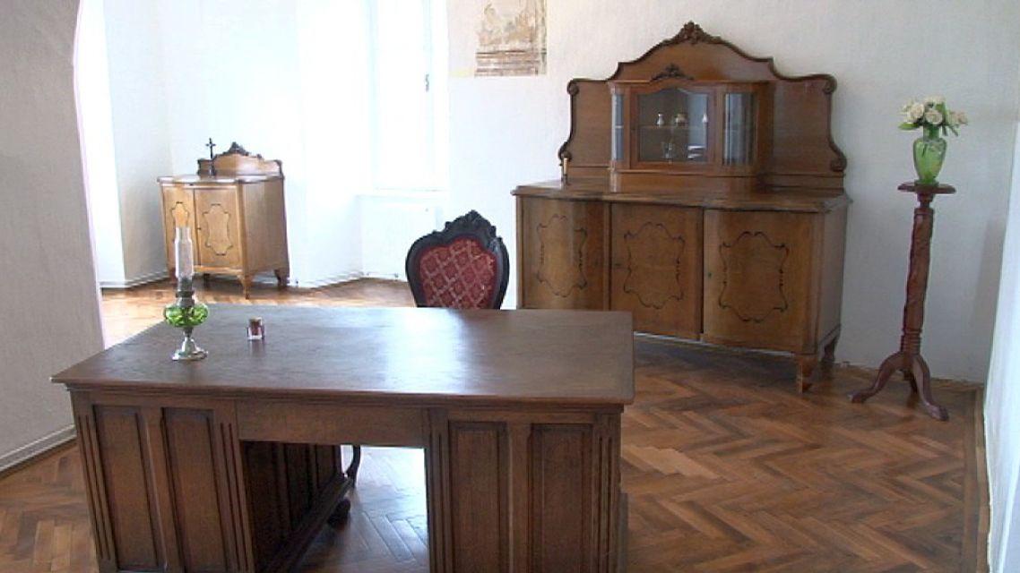 V kaštieli má svoju expozíciu aj Štefan Moyses