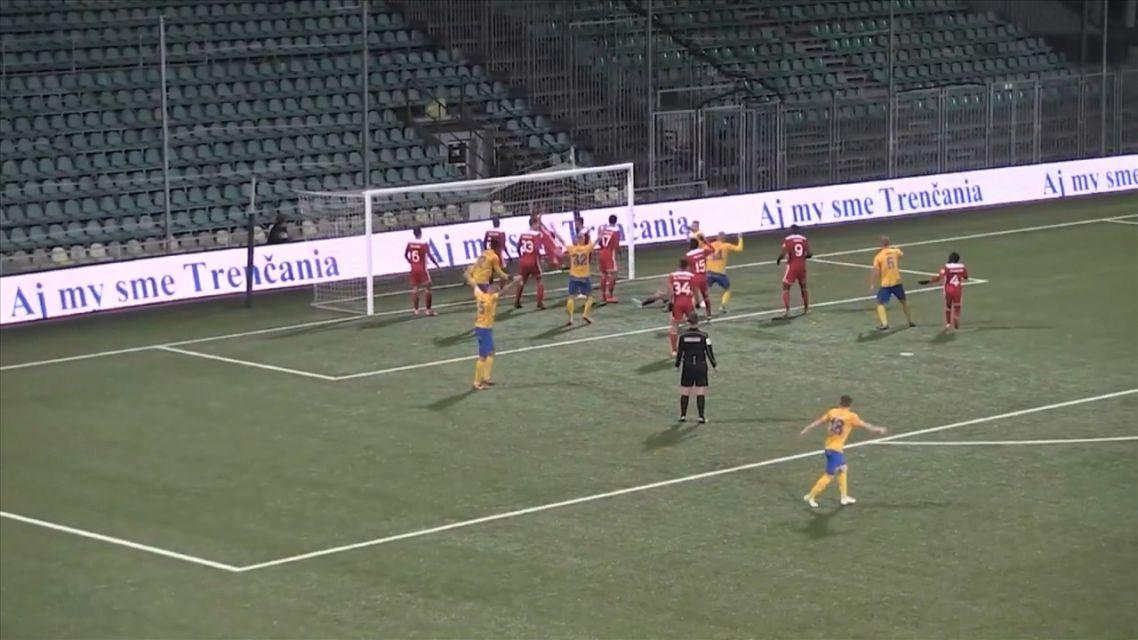 FK Pohronie si to rozdalo s AS Trenčín