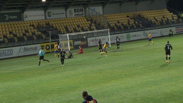 FK Pohronie privítalo šiesty celok tabuľky FC Vion Zlaté Moravce