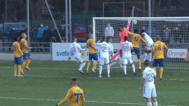 FK Pohronie privítalo na domácom trávniku  FC Spartak Trnava