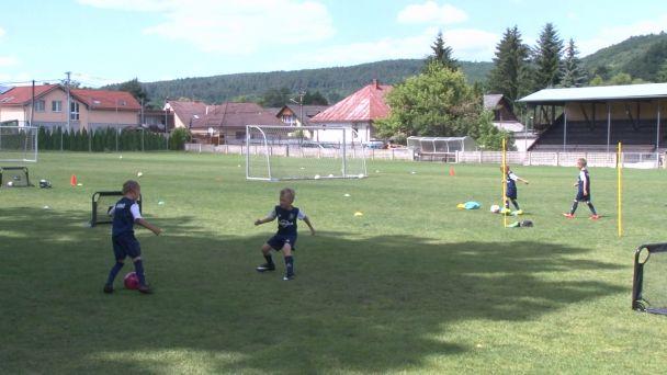 FK Pohronie usporiadalo pre najmenších futbalistov Coerver kemp