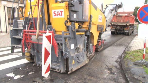 V Žiari opravujú tri cesty za takmer 100 tisíc