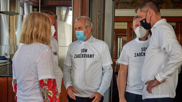 Som zaočkovaný, pridajte sa aj vy – vyzvali zástupcovia politických strán v kraji ľudí na Slovensku